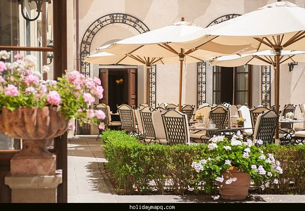 la-magnolia-at-conventino-four-seasons-hotel-florence-travel-