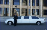 Advantages To Hire Limo Services For Any Occasion_1.jpg