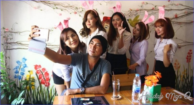 Bunny girls' coffee shop in Chiang Mai becomes talk of the town